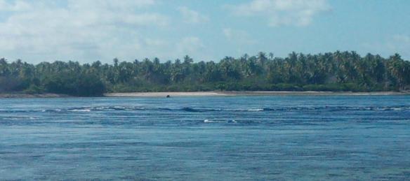 Courant sortant dans la passe Arikitamiro Atoll de Makemo. Vitesse du courant évalué à 8 knts - pas la peine d'essayer d'entrer !