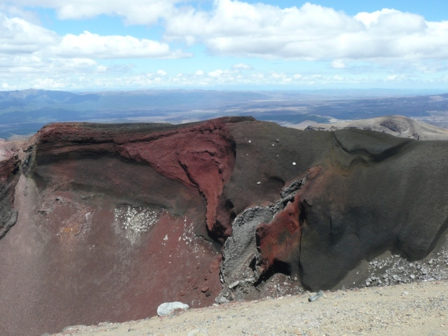 The Red Crater, témoin de l'éruption de 1949 et 1954.