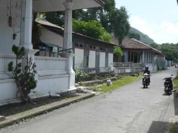Banda Neira – Ville de l'établissement de la VOC dans l'archipel de Banda