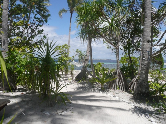 Tomia - Wakatobi resort – Coté face: luxe, calme et volupté….