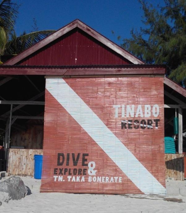 Tinabo island - Atoll de Taka Bonerate – Le club de plongée.