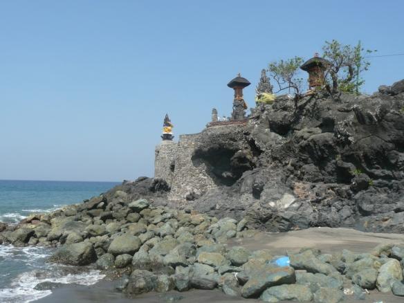 Batu Bolong. Un des seuls temples hindous qui reste sur l'ile de Lombok.