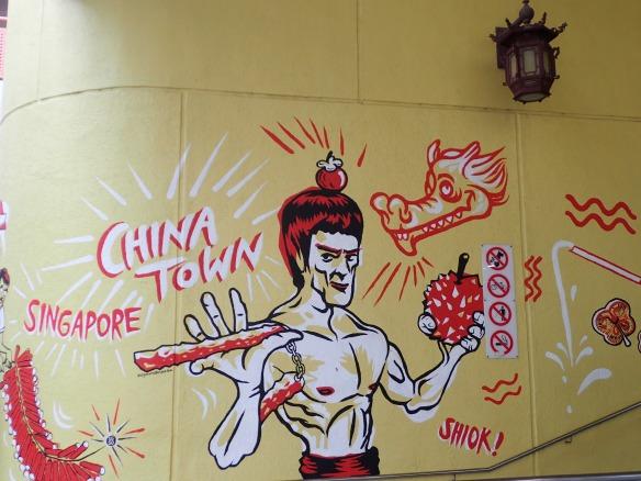 Singapour – Bruce Lee. Caractérisé par des démonstrations d'arts martiaux et des scènes d'action spectaculaires, le cinéma de Hong Kong a rapidement atteint une notoriété internationale et s'est facilement exporté à Hollywood. Pêle-mêle: les acteurs Jackie Chan, Chow Yun Fat, Maggie Chueung, Tony Leung, Jet Li, les cinéastes John Woo et Wong Kar-Wai.