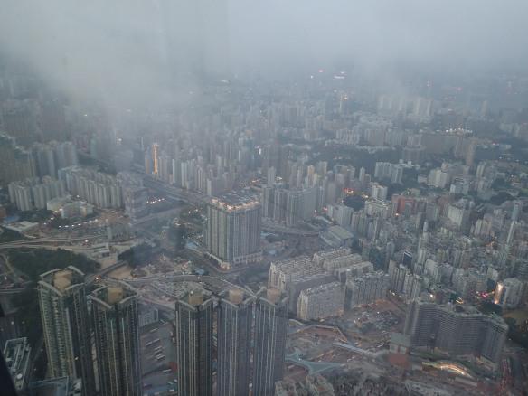 Hong Kong – Kowloon vu du bar Ozone au 118ème étage. Objectif: faire la nique à Dubaï.